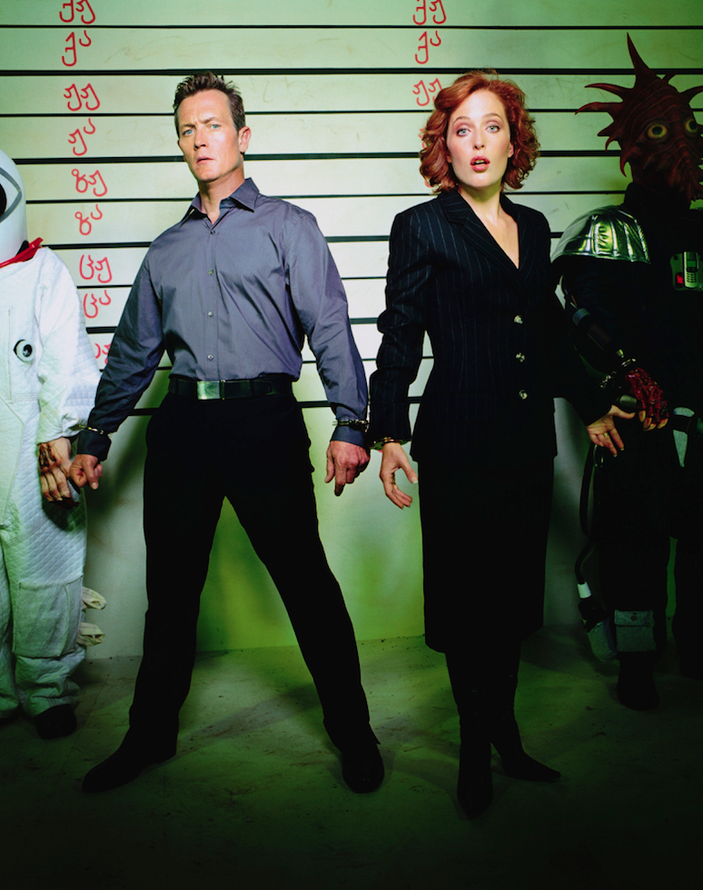 Crazy X-Files Cast Photos - Pic 1