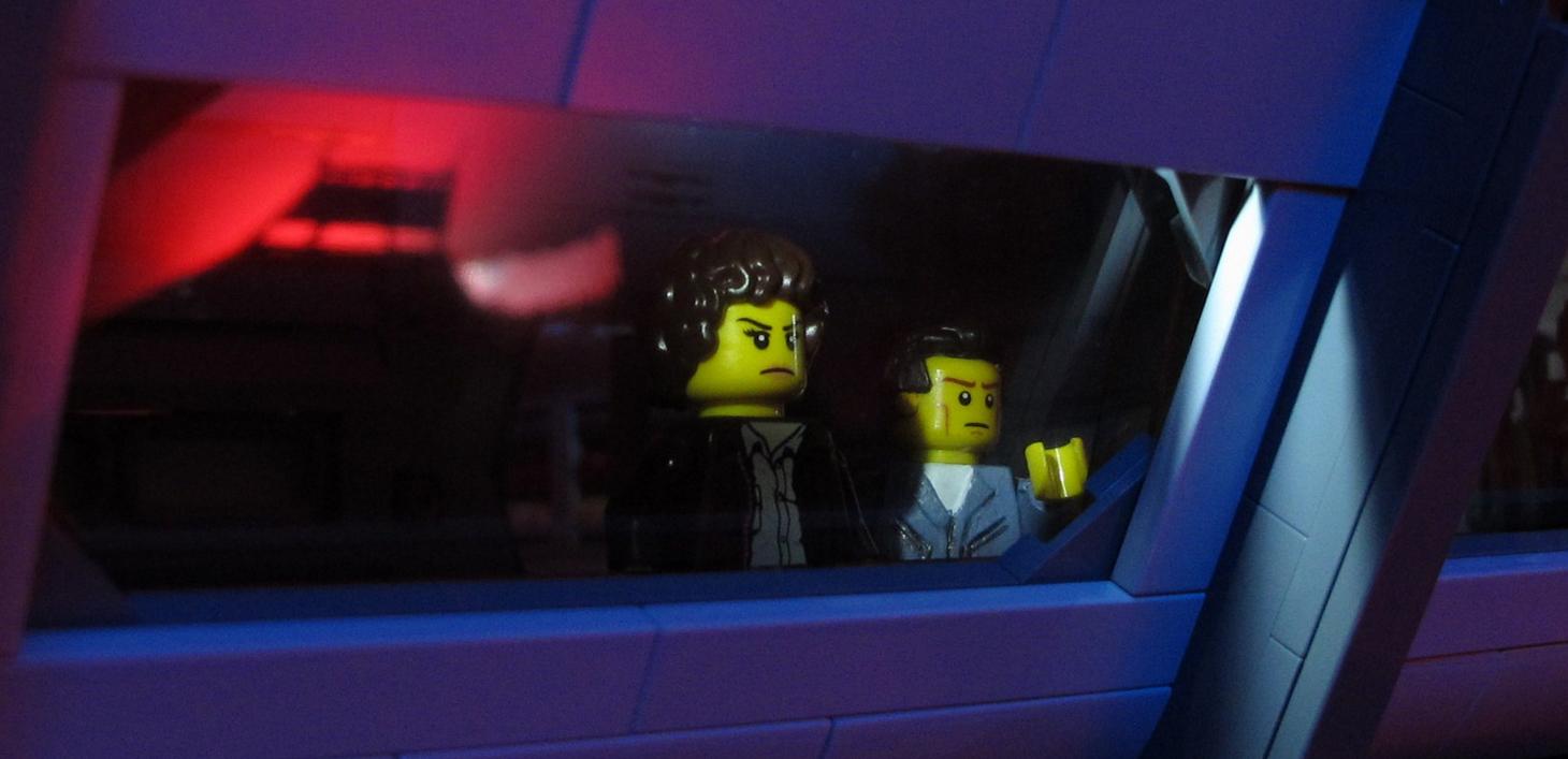 """Lego Aliens - """"How long 'til it blows?"""""""