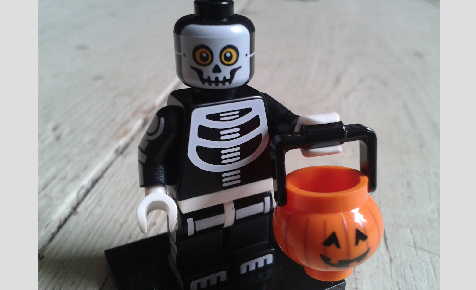 Lego Monsters Minifigures Review 2015 : Halloween Love