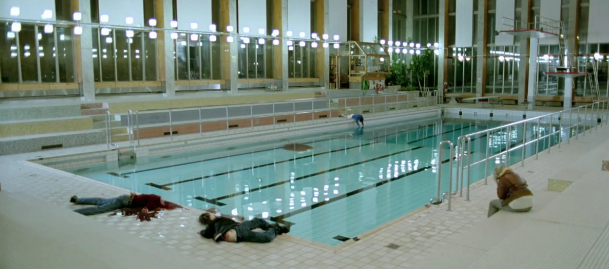 Let The Right One In - Pool Death Scene