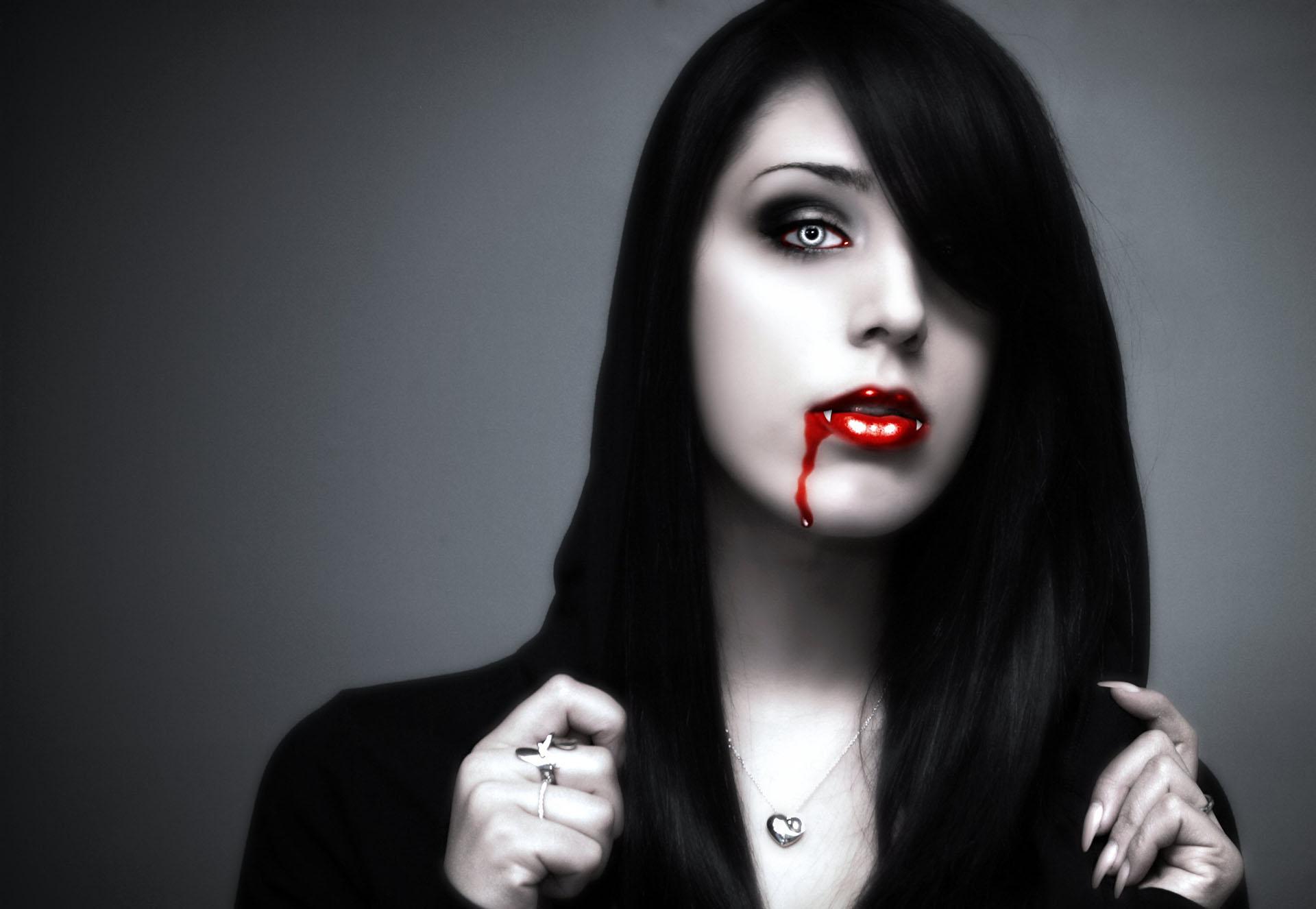 Vampire Goth Girl