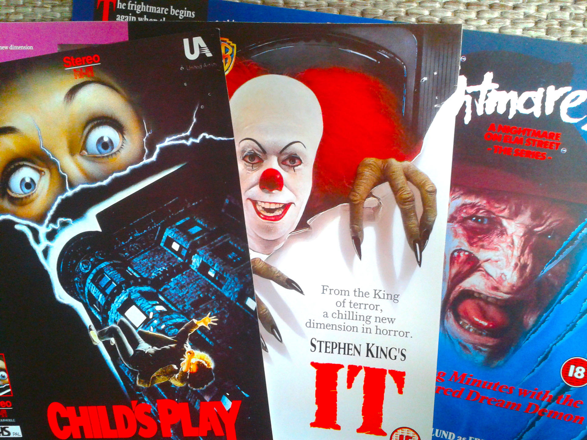 VHS Promo Sleeves Review - Halloween Love